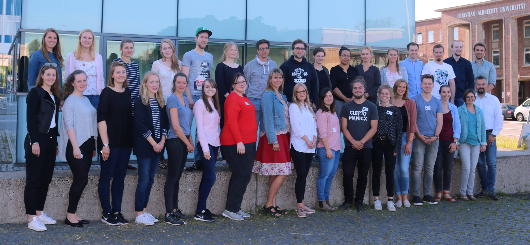 Das Team der Refugee Law Clinic Kiel im Panorama.